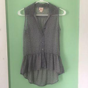 Sleeveless bunny sheer blouse